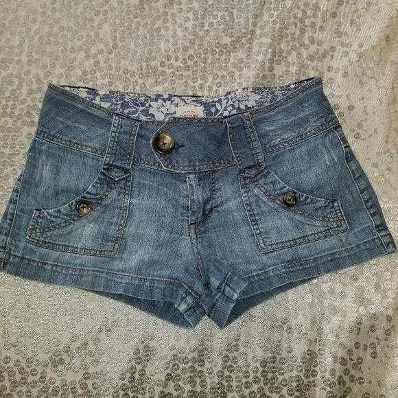Pants - MOSSIMO DISTRESSED DENIM BLUE JEANS SHORTS JR SZ 7